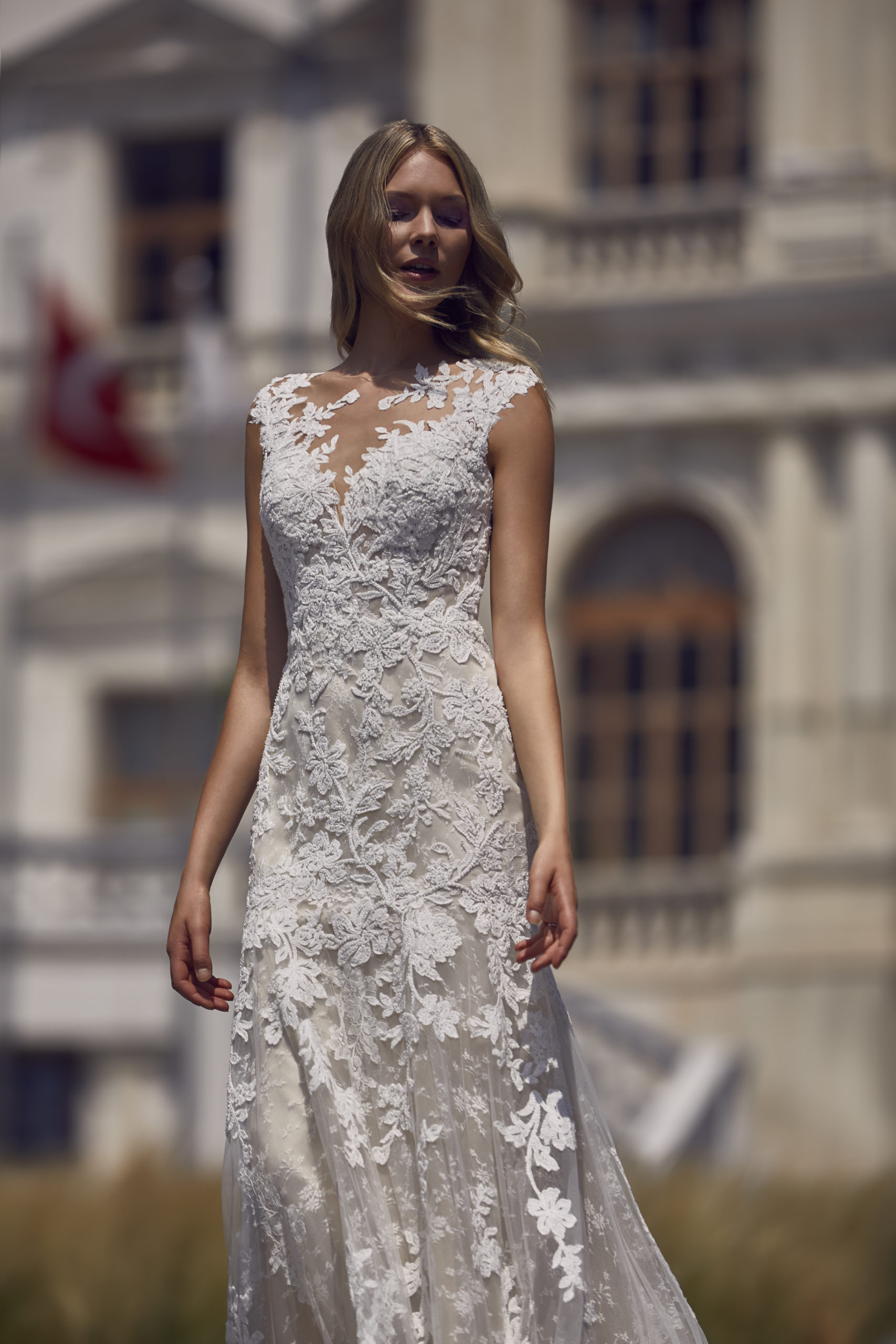 leticia van san patrick blush kleurige trouwjurk