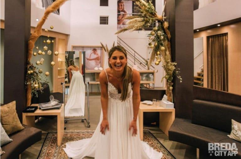 trouwjurken passen bij amiga bruidsmode