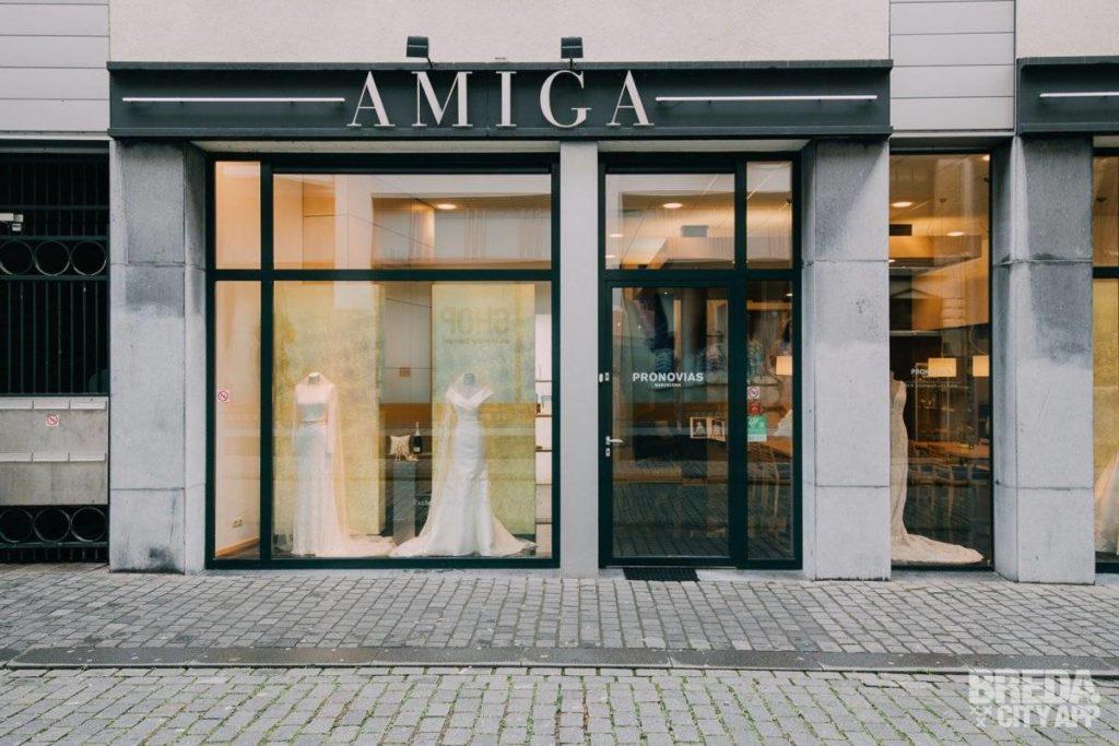 Ingang winkel Amiga Bruidsmode Breda