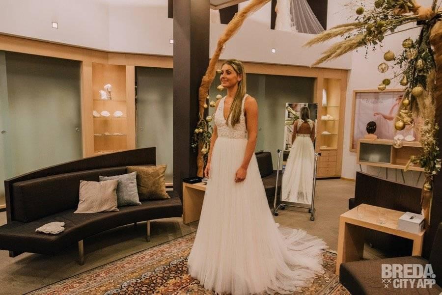 Espiga Pronovias boho trouwjurk passen