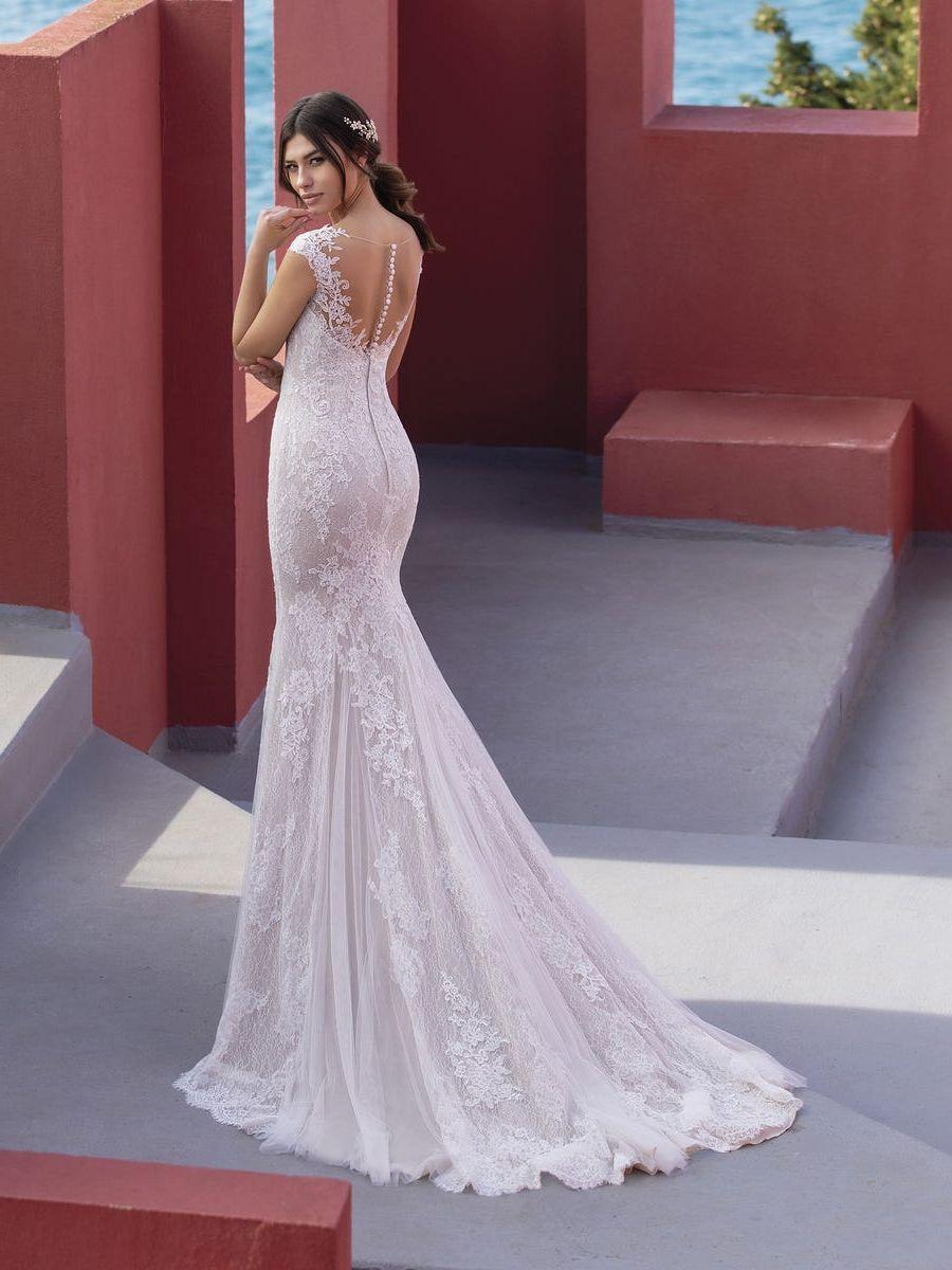 Geborduurde tule trouwjurk met zeemeermin-silhouet en V-hals