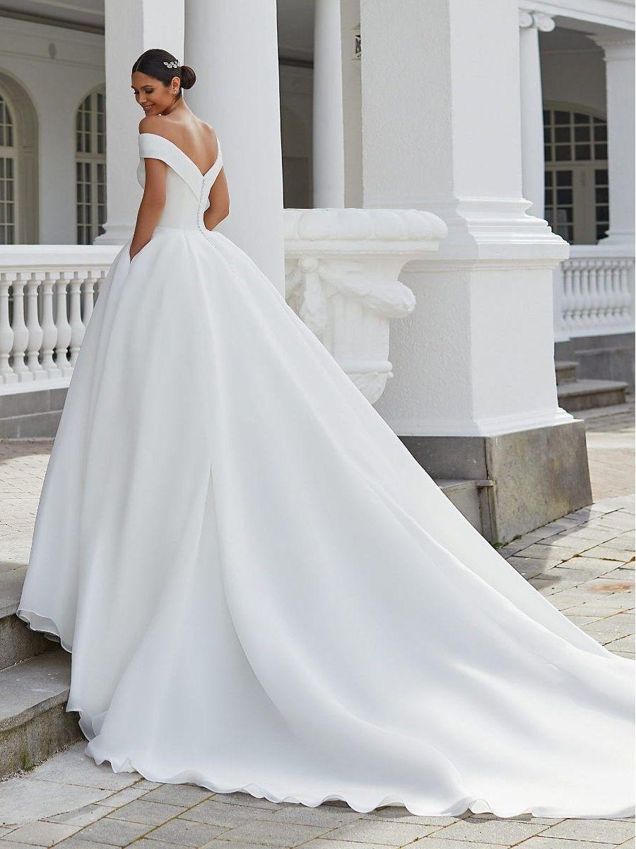 bruidsjurk ontblote schouder