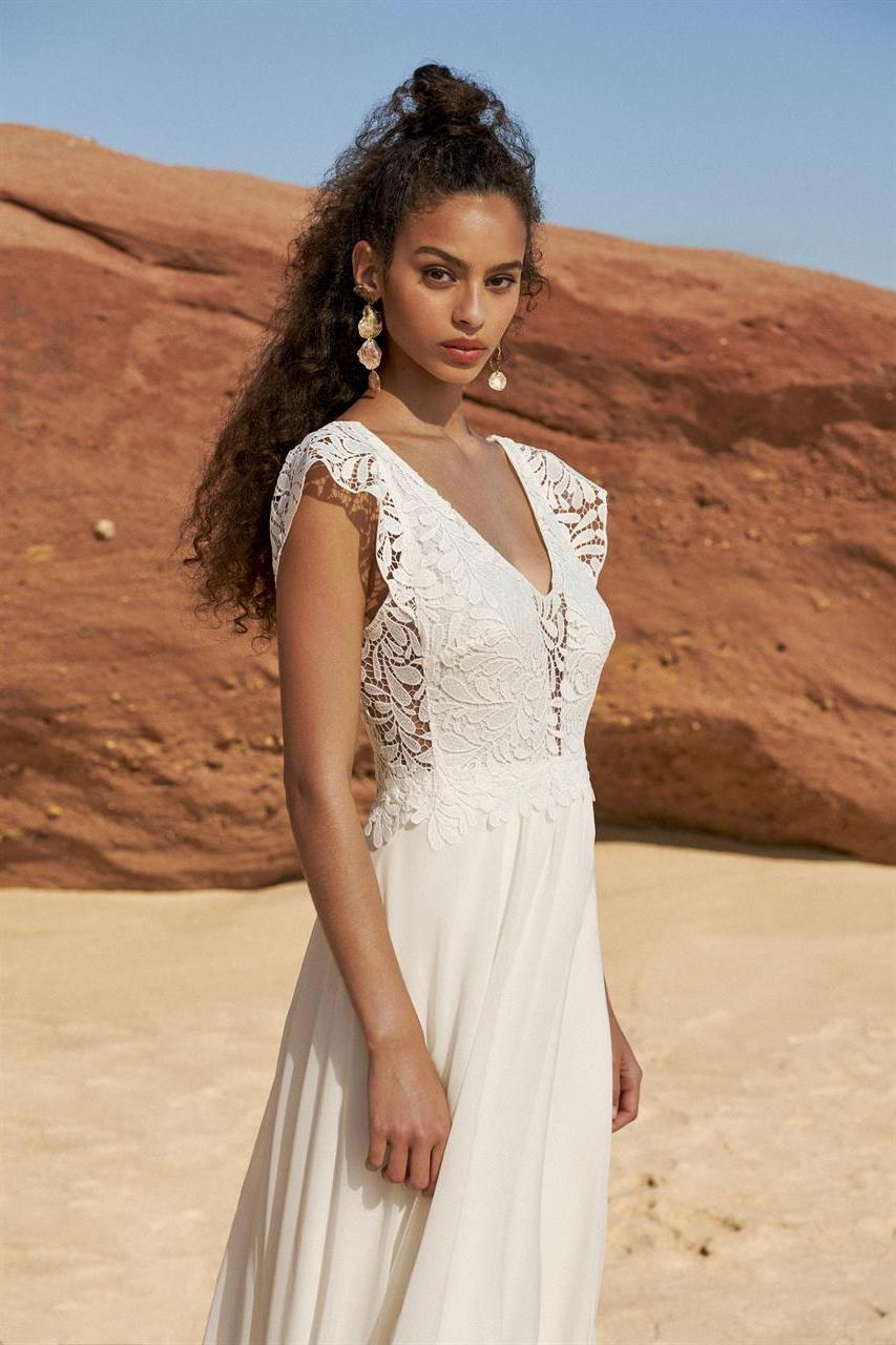 outdoor wedding dress